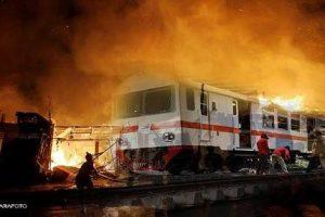 Kereta Api terbakar
